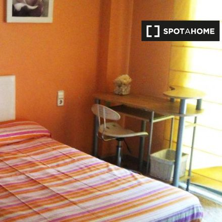 Rent this 4 bed apartment on Carrer d'Emili Baró in 74, 46020 Valencia
