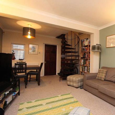 Rent this 2 bed house on The Crown in 39 The Green, Stotfold SG5 4AL