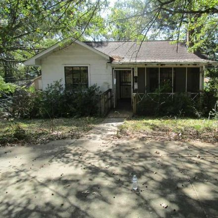 Rent this 3 bed house on 915 8th Avenue in Midfield, AL 35228