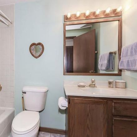Rent this 3 bed house on 875 Georgean Lane in Schaumburg, IL 60193