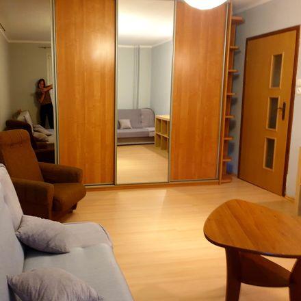 Rent this 2 bed room on Władysława Broniewskiego 32 in 87-100 Toruń, Poland