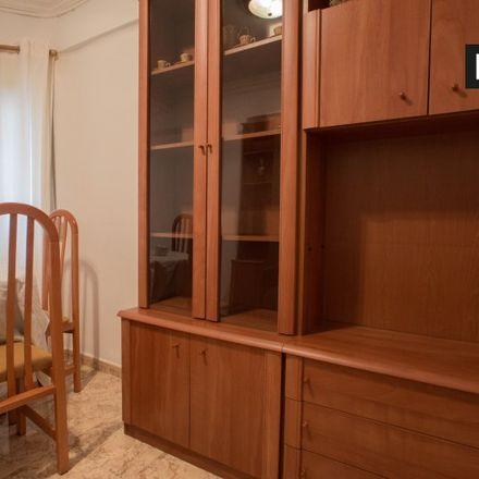 Rent this 3 bed apartment on Carrer de Francisco de Bellvís in 46022 Valencia, Spain