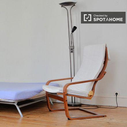 Rent this 5 bed apartment on Chaussée de Forest - Vorstse Steenweg 74 in 1060 Saint-Gilles - Sint-Gillis, Belgium
