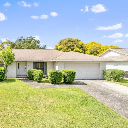 Rent this 4 bed house on 814 Tarawood Ln in Valrico, FL