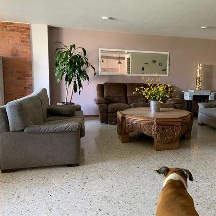 Rent this 3 bed apartment on Calle 11 Oeste in Comuna 19, 760101 Perímetro Urbano Santiago de Cali
