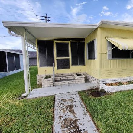 Rent this 2 bed house on 900 9th Avenue East in Memphis, FL 34221