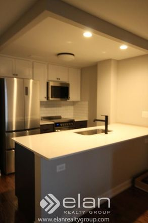 Rent this 1 bed apartment on N Sheridan Rd in Chicago, IL