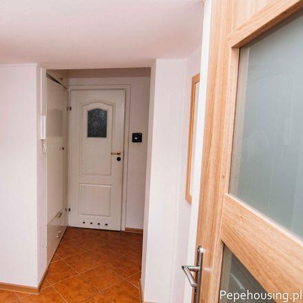 Rent this 2 bed room on Jarosława Dąbrowskiego 86 in 02-571 Warsaw, Poland