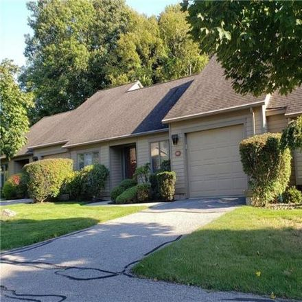 Rent this 2 bed condo on 895 Maple Lane in Somers, NY 10589