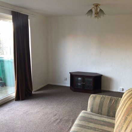 Rent this 3 bed house on Tesco in Dorchester Way, Coventry CV2 2LB