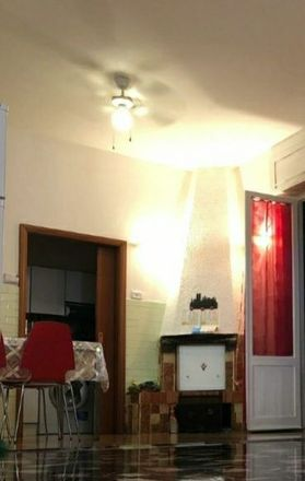 Rent this 3 bed room on Via Padre Felice Rosetani in 68, 62100 Macerata MC