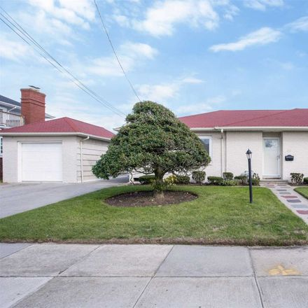 Rent this 4 bed house on 30 Broome Avenue in Atlantic Beach, NY 11509