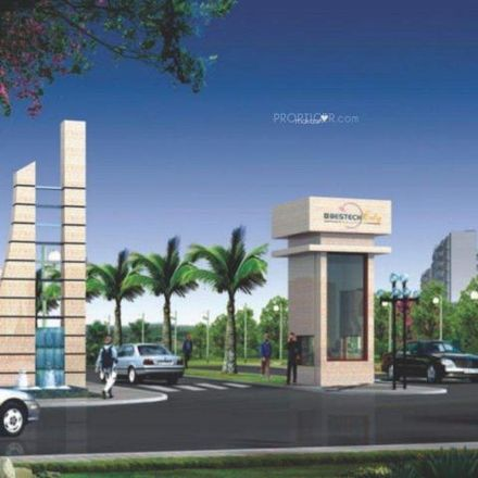 Rent this 2 bed apartment on U.S.Pizza in Amer Road, Manesar