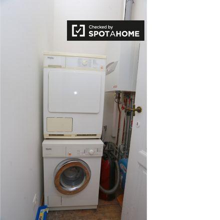 Rent this 1 bed apartment on Place Houwaert - Houwaertplein 4 in 1210 Saint-Josse-ten-Noode - Sint-Joost-ten-Node, Belgium