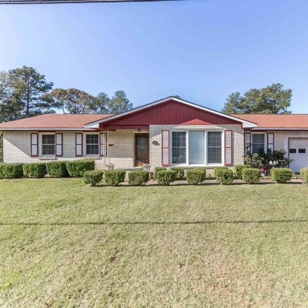 Rent this 3 bed house on 93 Sherman Street in Warner Robins, GA 31088