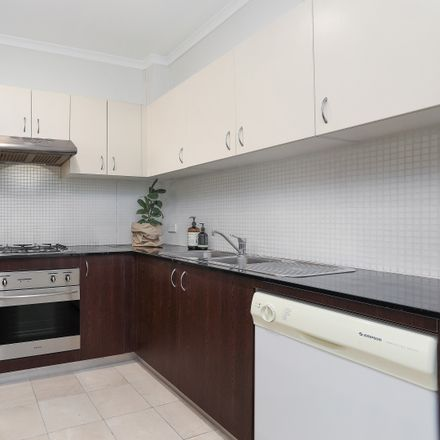 Rent this 2 bed apartment on 11/4 Gillespie Avenue