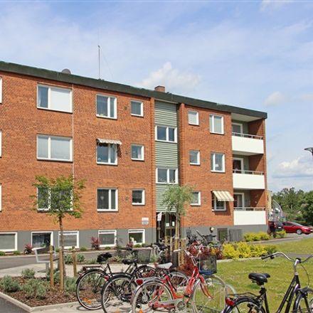 Rent this 5 bed apartment on Kyrkogatan in 574 31 Vetlanda, Sweden