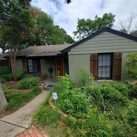 Rent this 2 bed house on 1428 Sylvan Avenue in Dallas, TX 75208