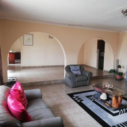 Rent this 4 bed house on Eales Street in Johannesburg Ward 71, Roodepoort
