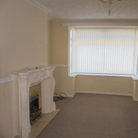 Rent this 3 bed house on Sassaby Close in Hull HU4 6UQ, United Kingdom