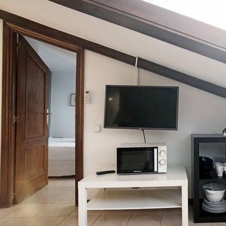 Rent this 1 bed apartment on La Abuela in Calle de Espoz y Mina, 28