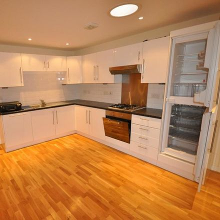 Rent this 2 bed apartment on Churchside in Howden DN14 7GN, United Kingdom