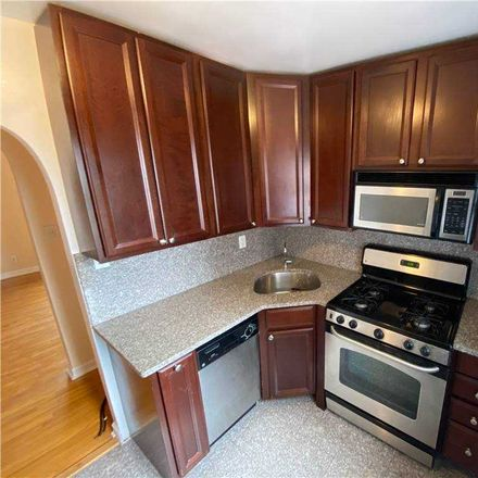 Rent this 2 bed condo on 84th Rd in Jamaica, NY