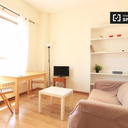 Rent this 1 bed apartment on Bar Sánchez in Calle de Rodríguez San Pedro, 26