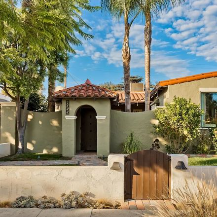 Rent this 3 bed house on 8955 Beverlywood Street in Los Angeles, CA 90034