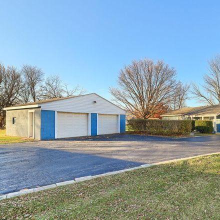 Rent this 3 bed house on Dewey St in Urbana, IL