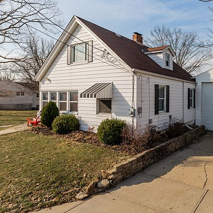 Rent this 3 bed house on Central Row in Elsmere, KY 41018
