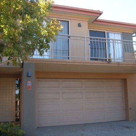 Rent this 4 bed townhouse on 41/4 University Drive