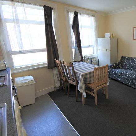 Rent this 3 bed apartment on High Road in London NW10 2PB, United Kingdom
