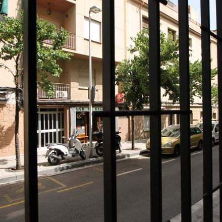 Rent this 3 bed apartment on Carrer de Rossell in 08023 Barcelona, Spain