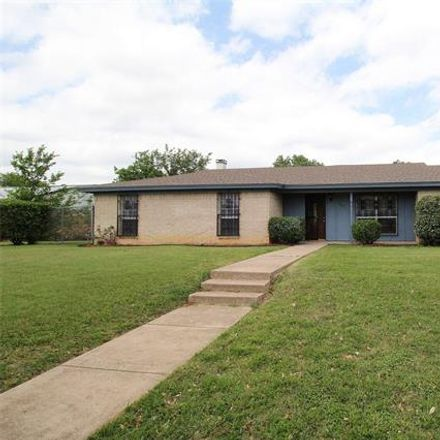 Rent this 3 bed house on 3241 Bunker Hill Drive in Forest Hill, TX 76140