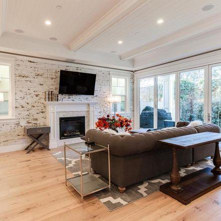 Rent this 4 bed apartment on Geneva Walk in Long Beach, CA