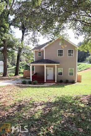 Rent this 4 bed house on James Dr NW in Atlanta, GA