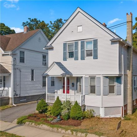 Rent this 3 bed house on 184 Summit Street in East Providence, RI 02914