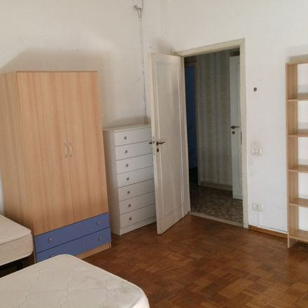 Rent this 4 bed room on Via Caterina Sforza in 42, 47121 Forlì FC