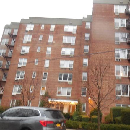 Rent this 1 bed condo on 3475 Greystone Avenue in New York, NY 10463