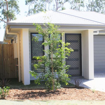 Rent this 3 bed house on 35 Callistemon Crescent