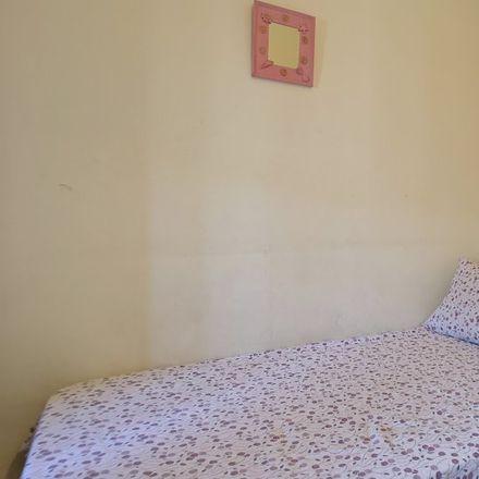 Rent this 3 bed room on Carrer de Pompeu Fabra in 34, 08922 Santa Coloma de Gramenet