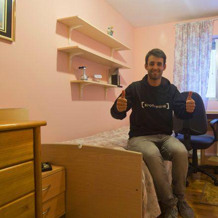 Rent this 3 bed apartment on Calle de la Hacienda de Pavones in 126, 28030 Madrid