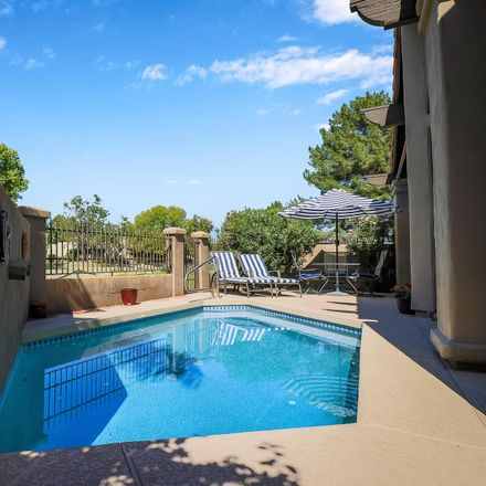Rent this 2 bed townhouse on North 40th Place in Phoenix, AZ 85028