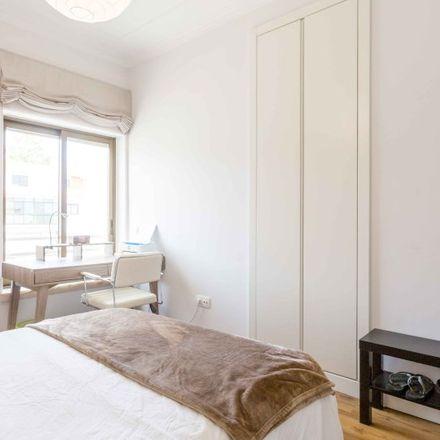 Rent this 2 bed room on Rua dos Eucaliptos in 2750-689 Cascais, Portugal