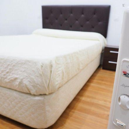 Rent this 1 bed apartment on Decograf Taller de cuadros in Calle de Santa Engracia, 28001 Madrid
