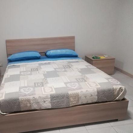 Rent this 5 bed room on Via Padova in 95100 Catania CT, Italia