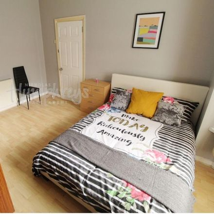 Rent this 5 bed room on St. Peter's Vicarage in Fraser Road, Portsmouth PO5 1EE