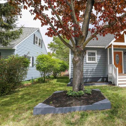 Rent this 3 bed house on 52 South Fremont Street in Manchester, NH 03103