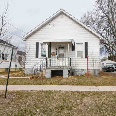 Rent this 3 bed house on 819 North Irwin Avenue in Green Bay, WI 54302